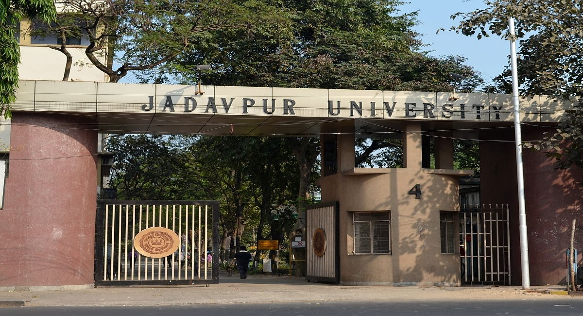 Jadavpur University To Provide Free Vaccines For Students